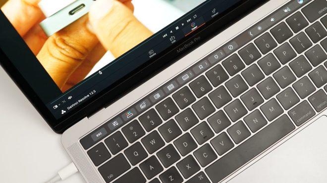 davinci-resolve-studio-touch-bar-macbook-pro